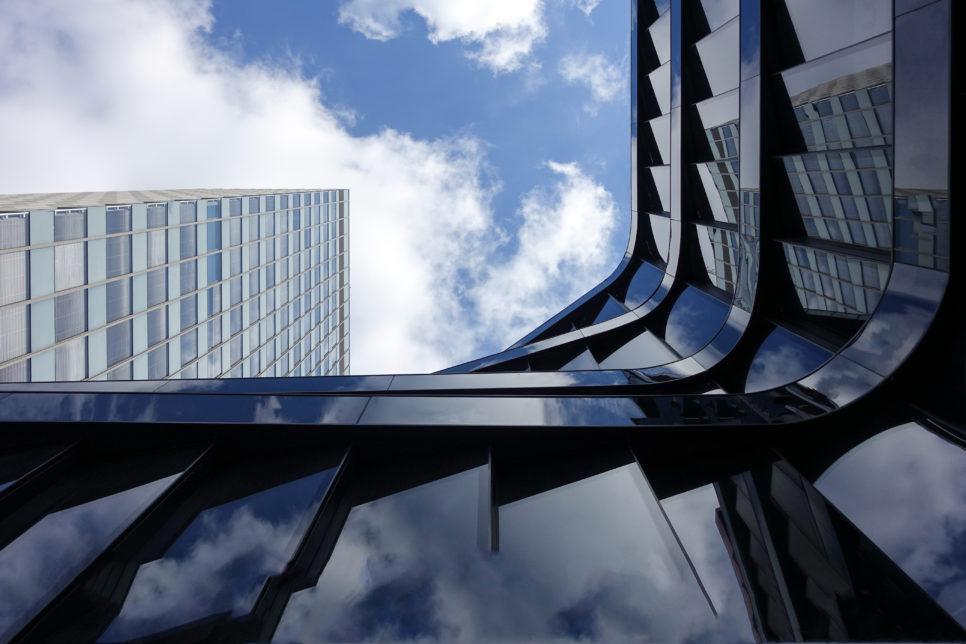dynamic office architecture reflections 1624925 966x644 - Услуги для исполнителей