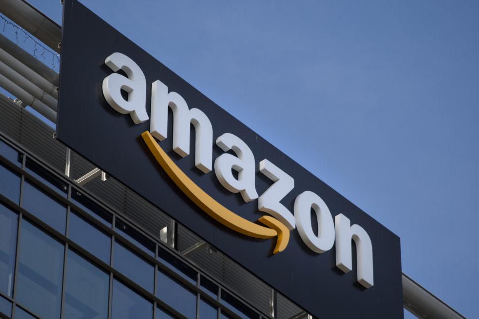 gettyimages 521186348 966x644 - Amazon приобретает сеть продуктовых магазинов Whole Foods