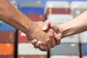 руки a26f83ef 283x189 - Евросоюз и Япония создают самую крупную ЗСТ