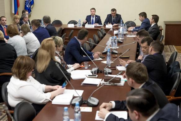 Ассоциация препринимателейв Госдуме 5 1 584x389 - Круглый стол