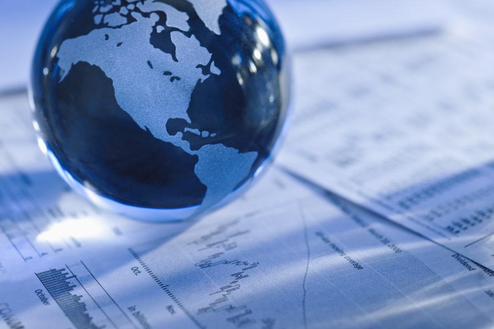 """48 967x644 - Глобальная экономика под угрозой из-за """"укусов тарифной войны"""""""