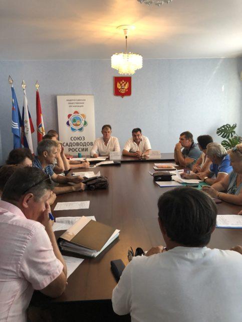 Podpisan dogovor o sotrudnichestve Kachinskim MO i OOO Sojuz sadovodov Rossii 02 483x644 - Садоводство