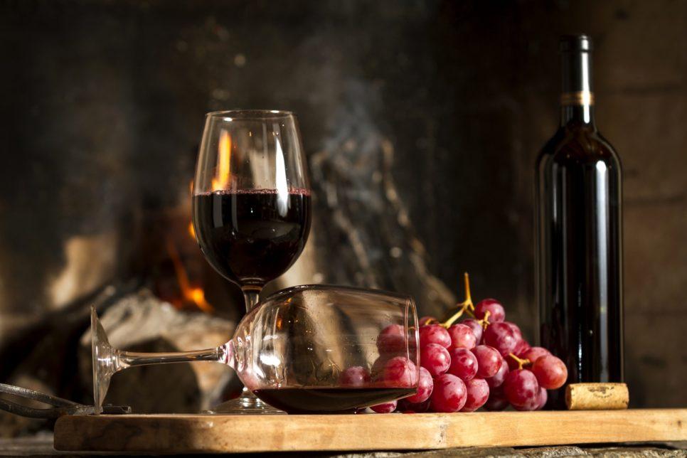149961087859623efe042a32.82799421 966x644 - Закон о виноделии